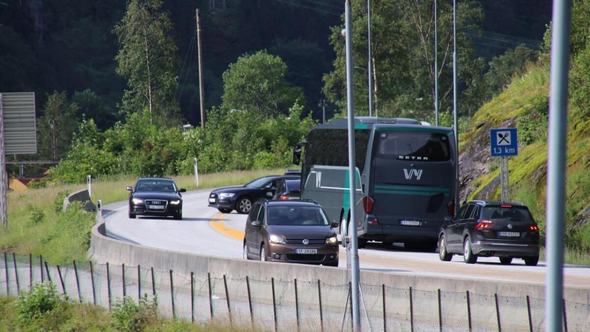 Måndag føremiddag vert det meldt om ei trafikkulukke i Betlatunnelen. Det vart raskt kø på E16 forbi Dale.