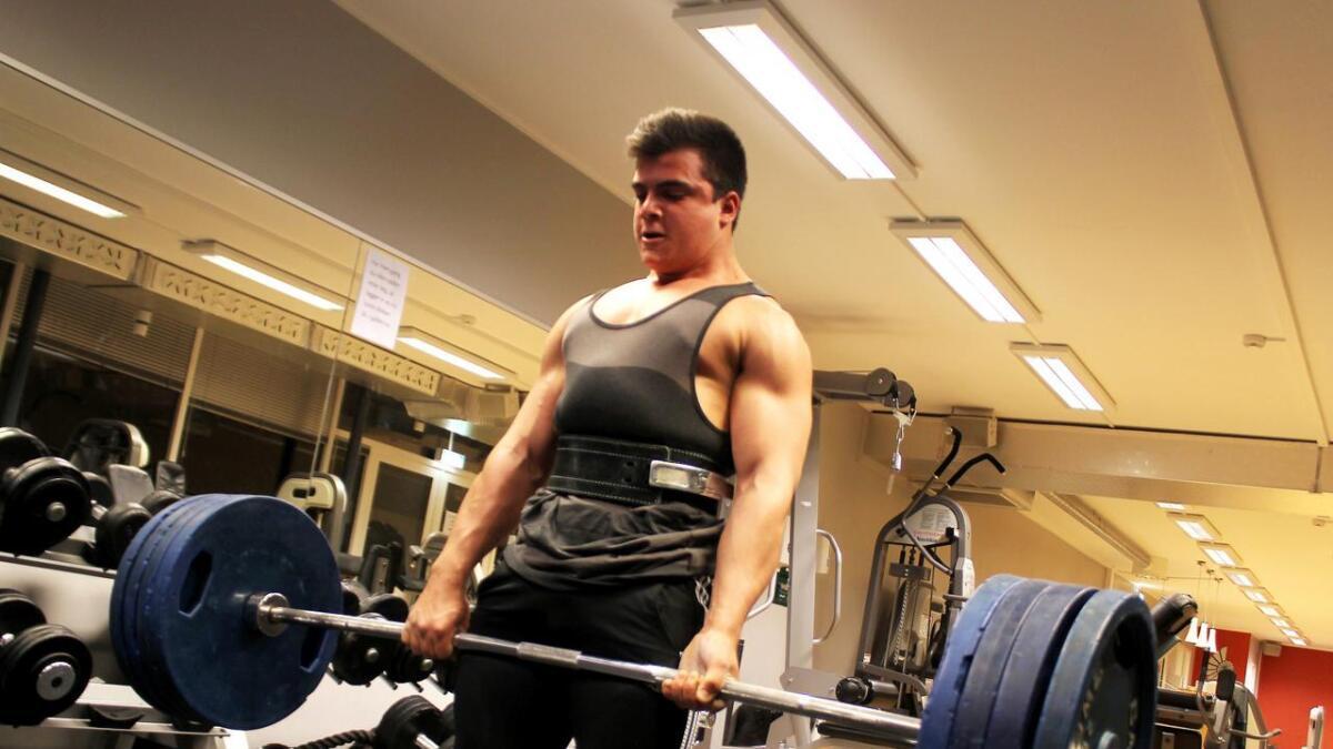 15-åringen har muskler som forklarer hvorfor løftene ser ganske enkle ut.