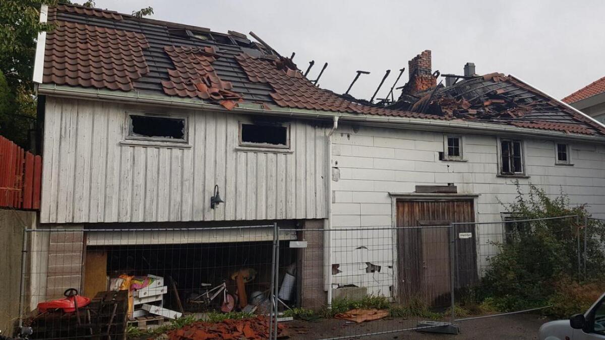 Trollvegg og Sørutvikling AS ønsker å rive det brannskadde bygget i Østregate 8.