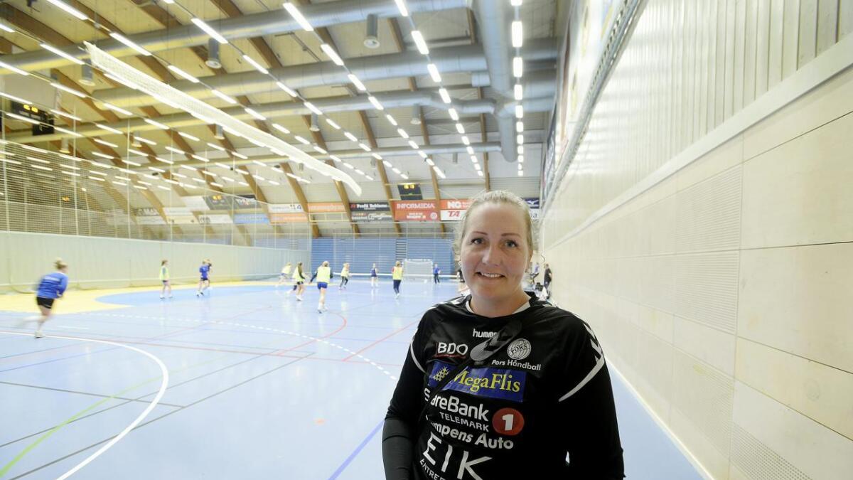 Linn-Therese Jahren gleder seg til å spille eliteseriehåndball for Gjerpen. - Hvis alt går i orden, så blir det moro det, sier 36-åringen, som mandag                 hadde sin første trening med klubben.