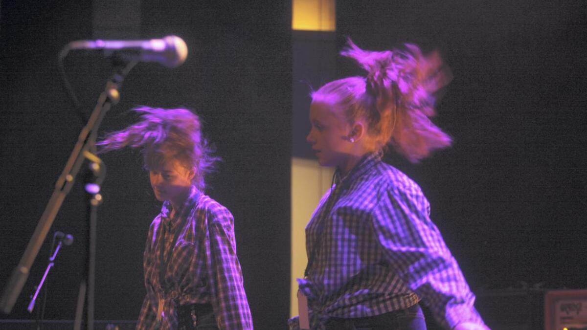 Moderne dans frå Una & Aila.