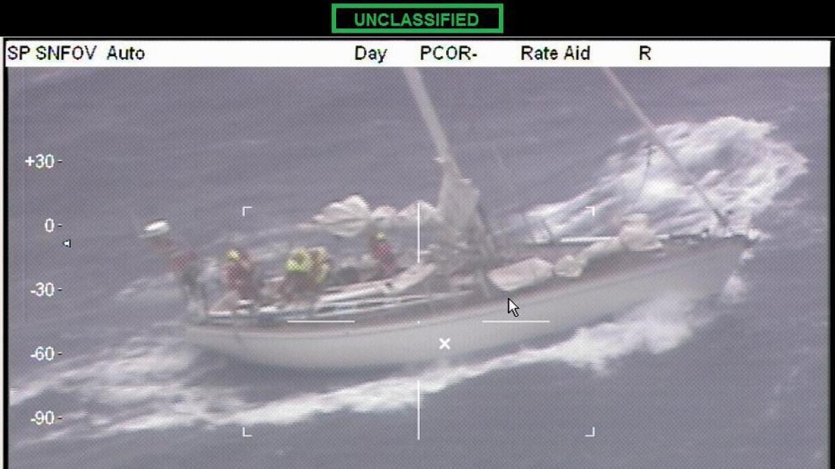 Slik så seilbåten fra Arendal ut da redningsmannskapene kom til.