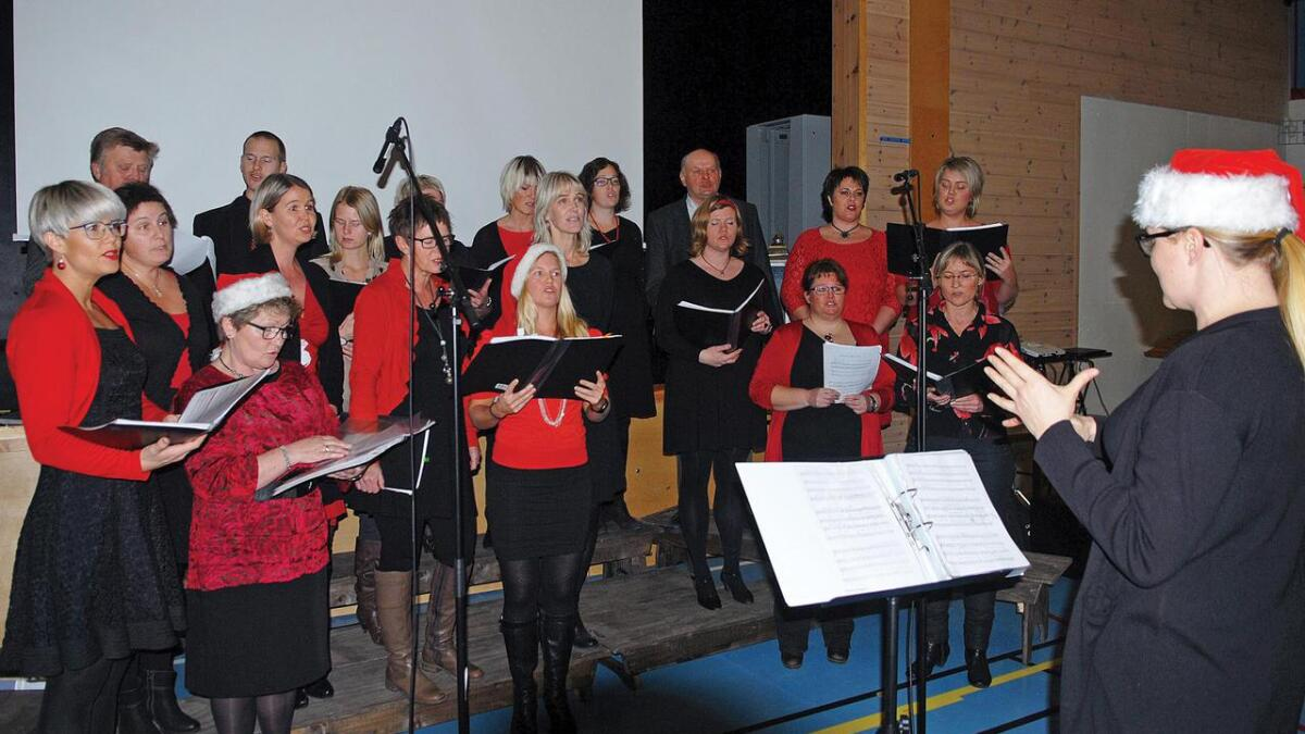 Blandakoret Kong Hanes eftf.(biletet) held julekonsert sundag i Bygland kyrkje saman med Bygland Hornmusikk. Kong Hanes eftf. vart etablert i 2010, og har har halde mange flotte konsertar dei siste åra.