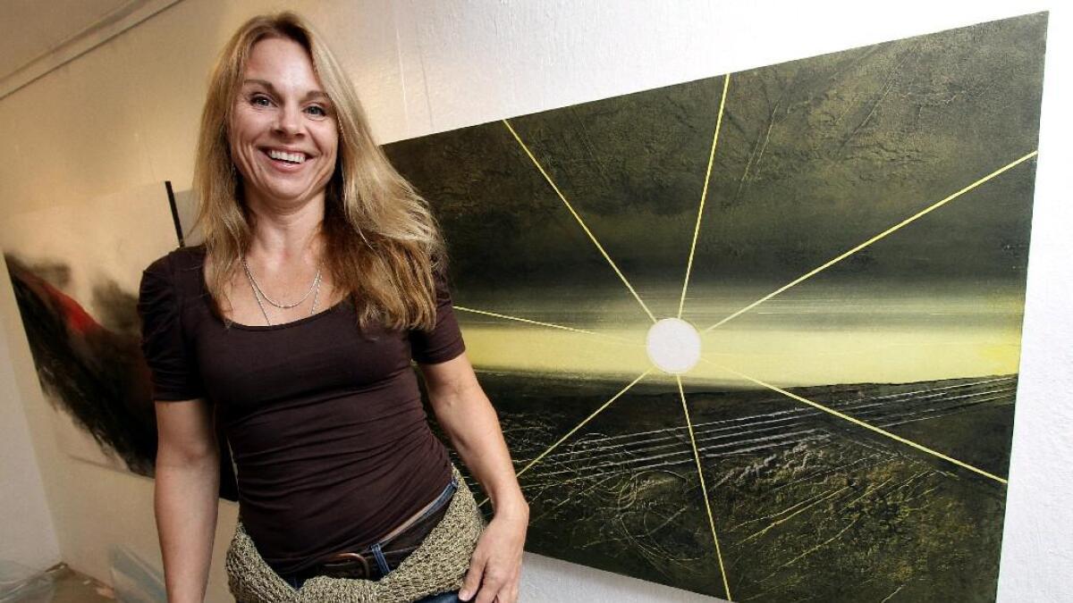Runaug Venås er årets eplefestkunstner, samtidig som hun stiller ut i Galleri Nyhuus på Gvarv.