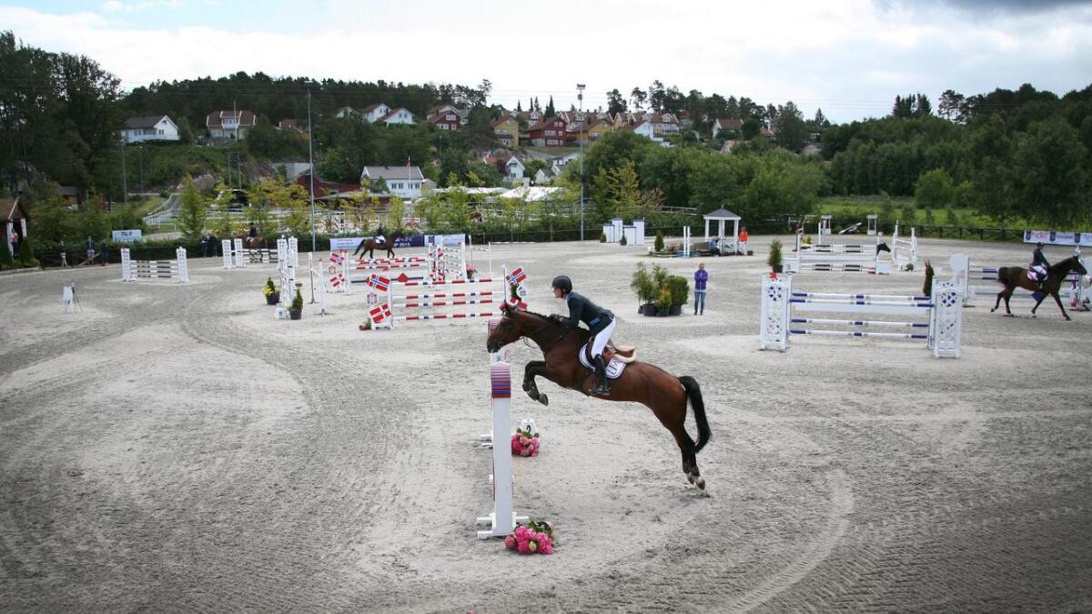 Det blir konkurranse på topp nivå når over 200 hester og ryttere er på plass på Birketveit for å kjempe om NM-titler i helgen.