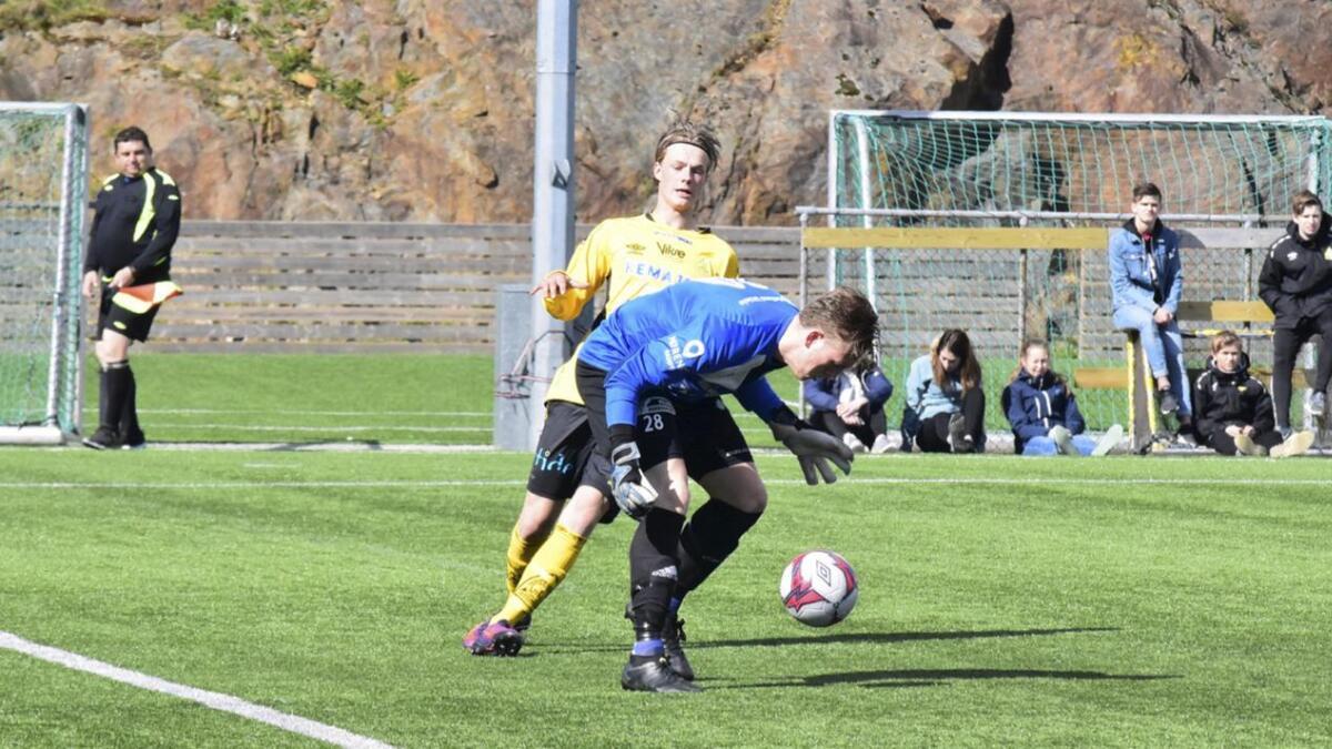Stian Ytrøy har hatt ein haust med målteft, seinast i kamp for Bremnes 2 der han skåra begge måla for laget.