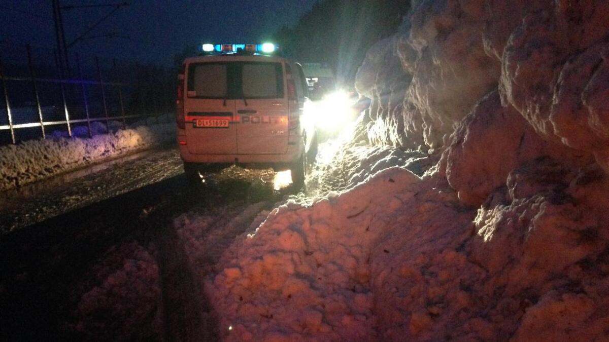 Føreren traff snøen og isen på bildet, og mistet kontrollen over bilen.