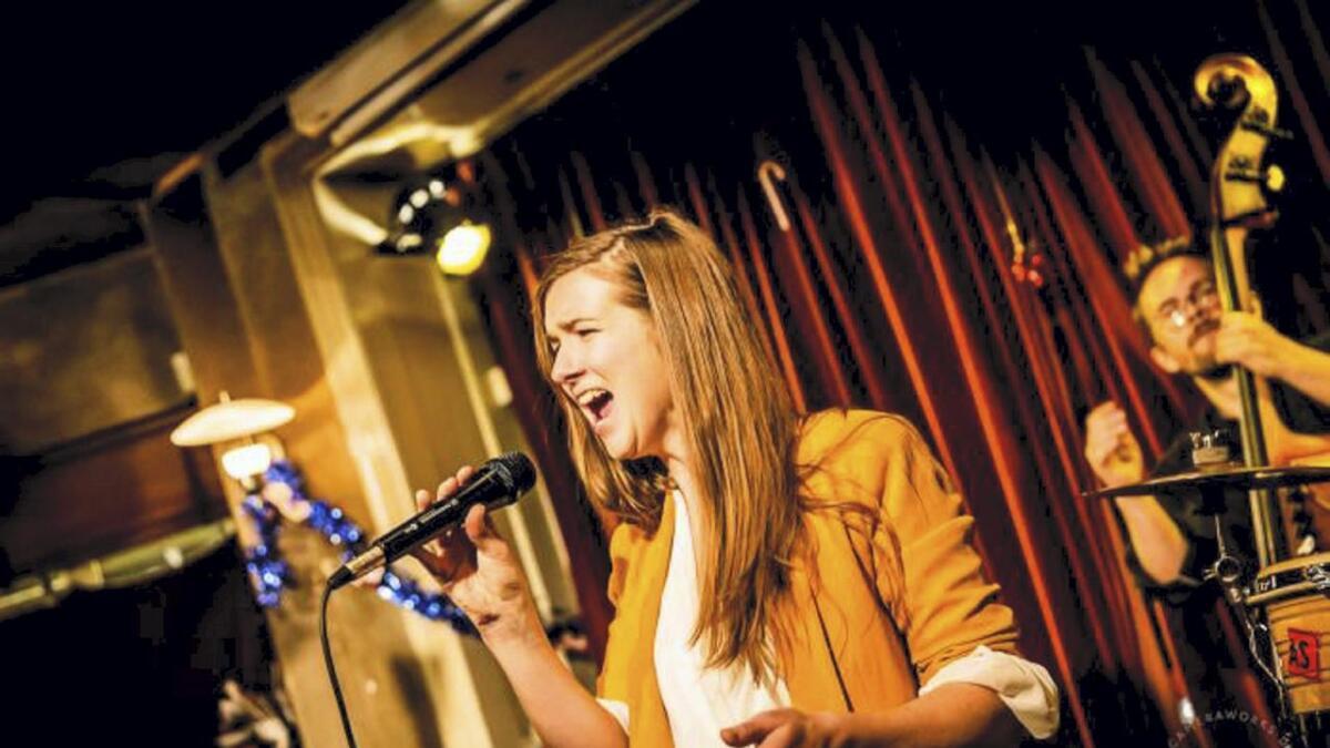 Kira Martini er ei spennande stemme frå det danske jazzmiljøet. Laurdag kan du høyra henne saman med bandet på Grand Hotell.