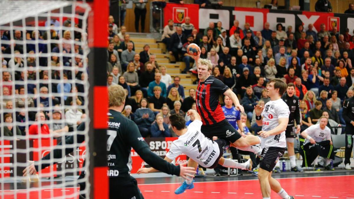 ØIF Arendal og kaptein Eirik Heia Pedersen vant 25-24 hjemme og spilte uavgjort 24-24 borte mot Elverum på veien til seriegullet denne sesongen. Søndag barker erkerivalene sammen i Sør Amfi til den første av opptil fem sluttspillfinaler nå i mai.