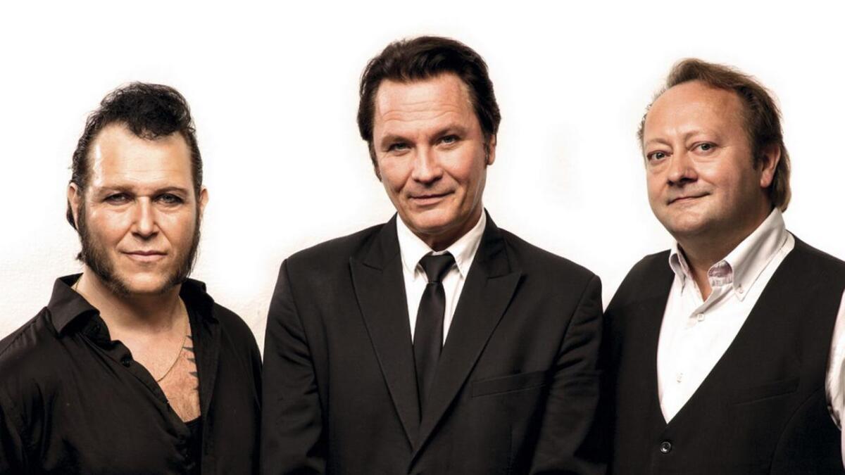 Paal Flaata, Stephen Ackles og Vidar Busk innleia sitt musikalske samarbeid i 2015, som ein hyllest til deira felles musikalske forbilde, Elvis Presley.
