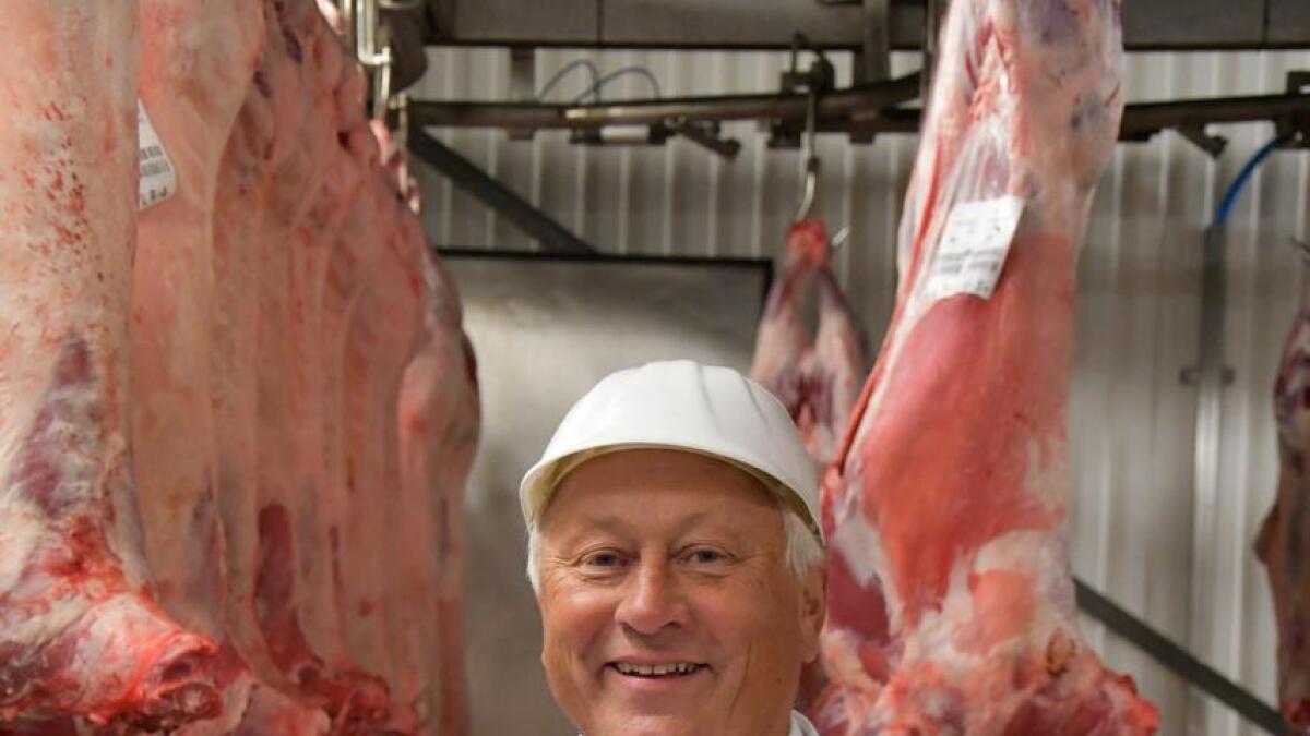Jens Eide AS leverer fårikålkjøtt og andre varer til Mandal i vest og Skien i øst. Daglig leder Jens Øystein Eide foretrekker å spise fårikål hele høsten, ikke bare på fårikålens dag.