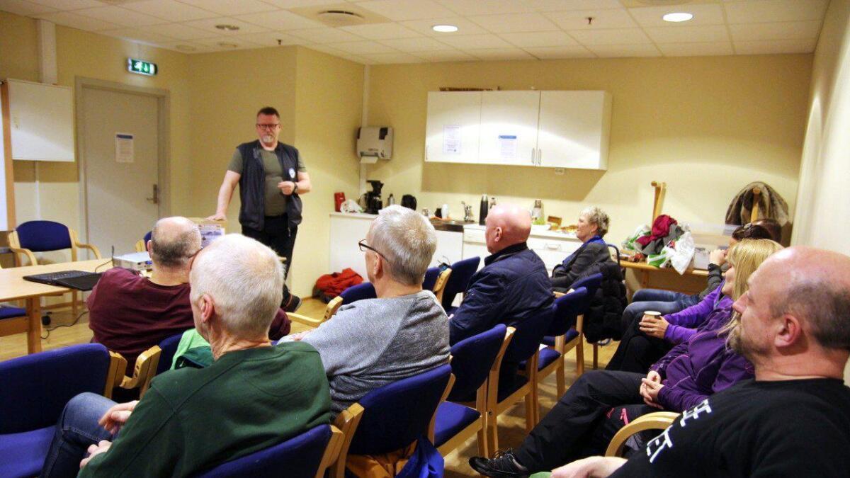 Jann Engstad fra Kabelvåg holdt foredrag.