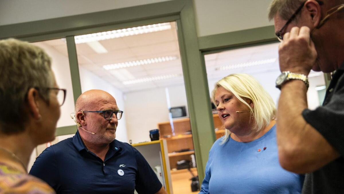 Toppkandidatane frå Arbeiderpartiet, Senterpartiet, Venstre og Høgre møttest til valdebatt i Hallingdølens studio. F.v. Sissel Urke (V), Jørund Li (H), Solveig Vestenfor (Ap) og Ole Egil Trintrud (Sp).