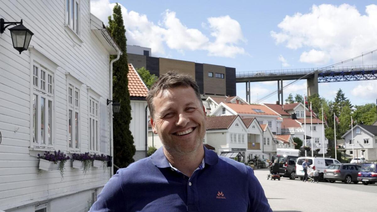 Daglig leder Henrik Tangen hos Krogsveen Bamble ser økende interesse for boliger i Bamble. Eneboligprisene er på samme nivå som i Skien og Porsgrunn.