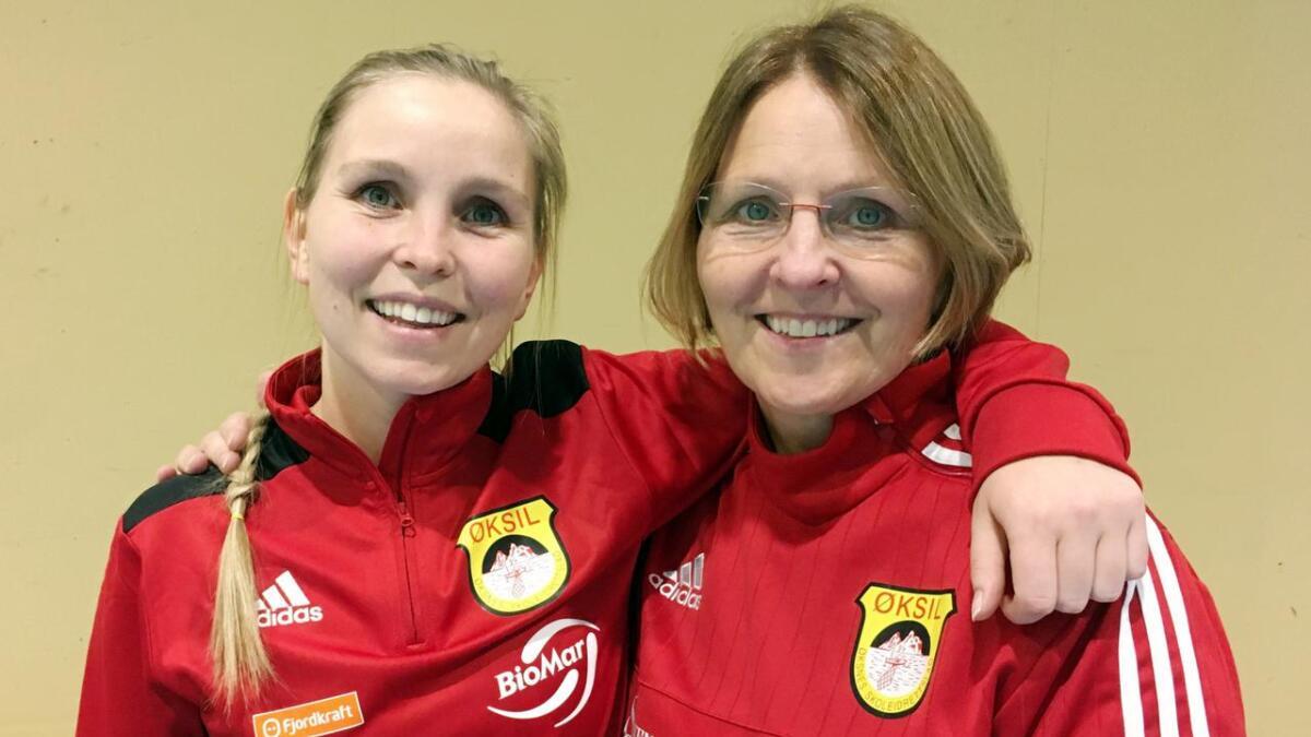 Øksil-spiller Marianne Steen Loftesnes og trener (og mor) Hanne Steen kan få mer å glede seg over i lørdagens hjemmekamp mot Blindheim fra Sunnmøre i Møre og Romsdal.