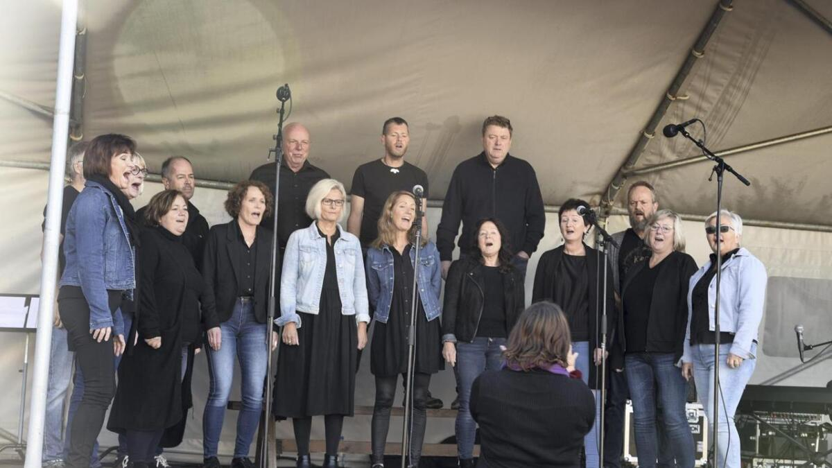 I helga deltok Bømlo Kormix på solidaritetsdag og matfestival på Svortland. Laurdag vert det konsert io Grindabygget.