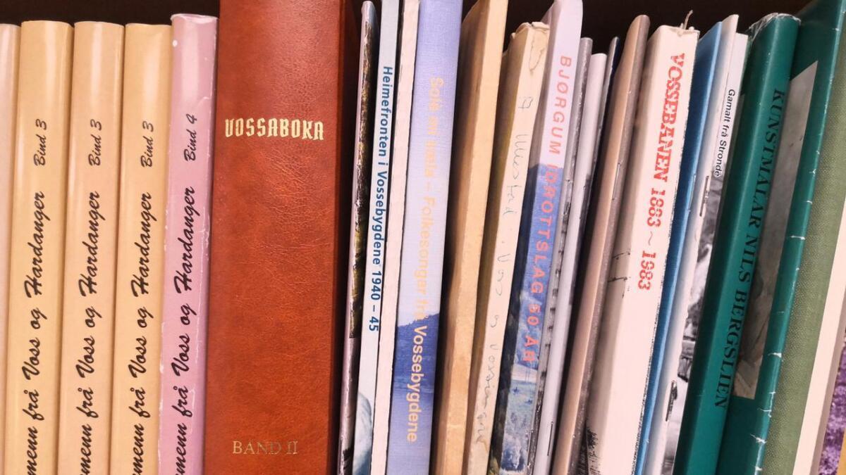 Neste laurdag vert det sal av lokale bøker i Ungdomshallen.