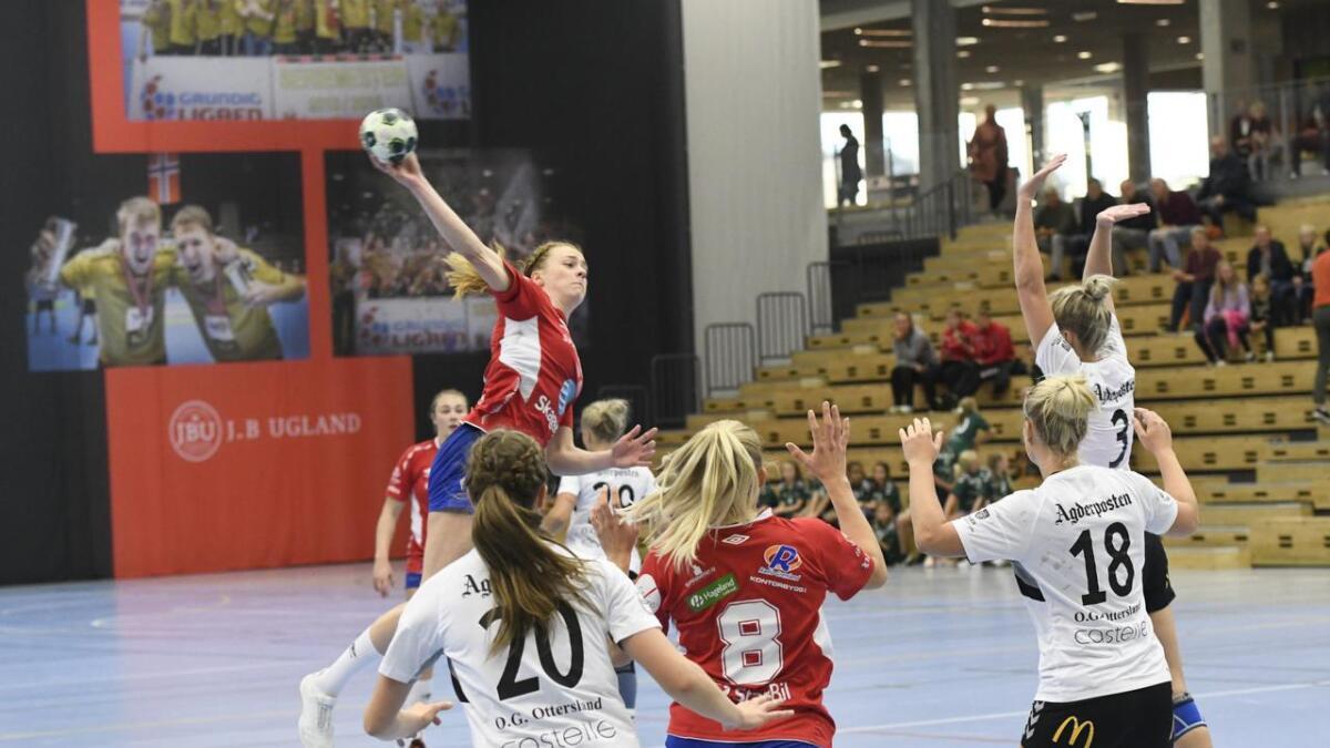 Oda Olsen og Gjerpen er ute av NM etter at de onsdag tapte med fire mål for mot 1. divisjonslaget Grane Arendal på bortebane.