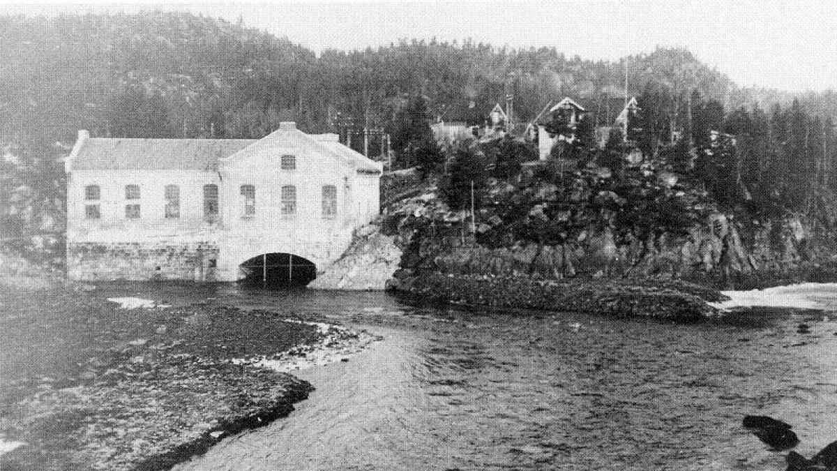 Da Kringsjå kraftstasjon var i drift i perioden 1900 til 1957 ble det bygget opp et lite lokalsamfunn rundt stasjonen.