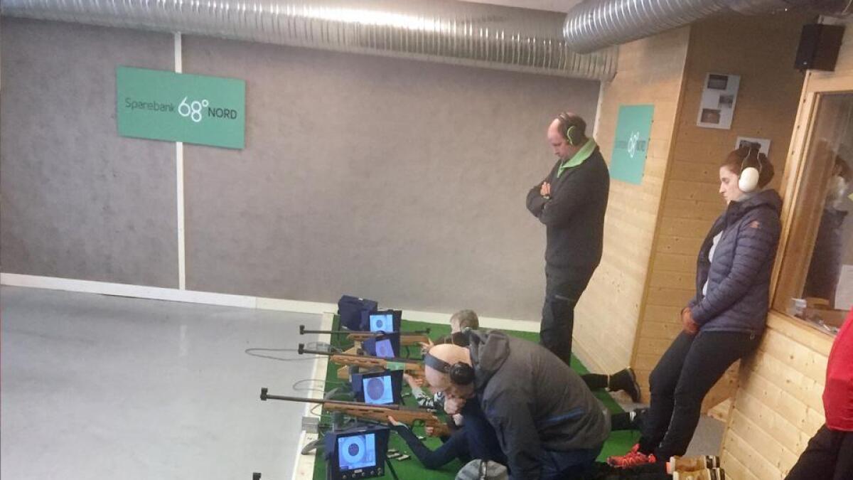 Nye skyttertalenter på standplass hos Bø skytterlag, (Privat foto)