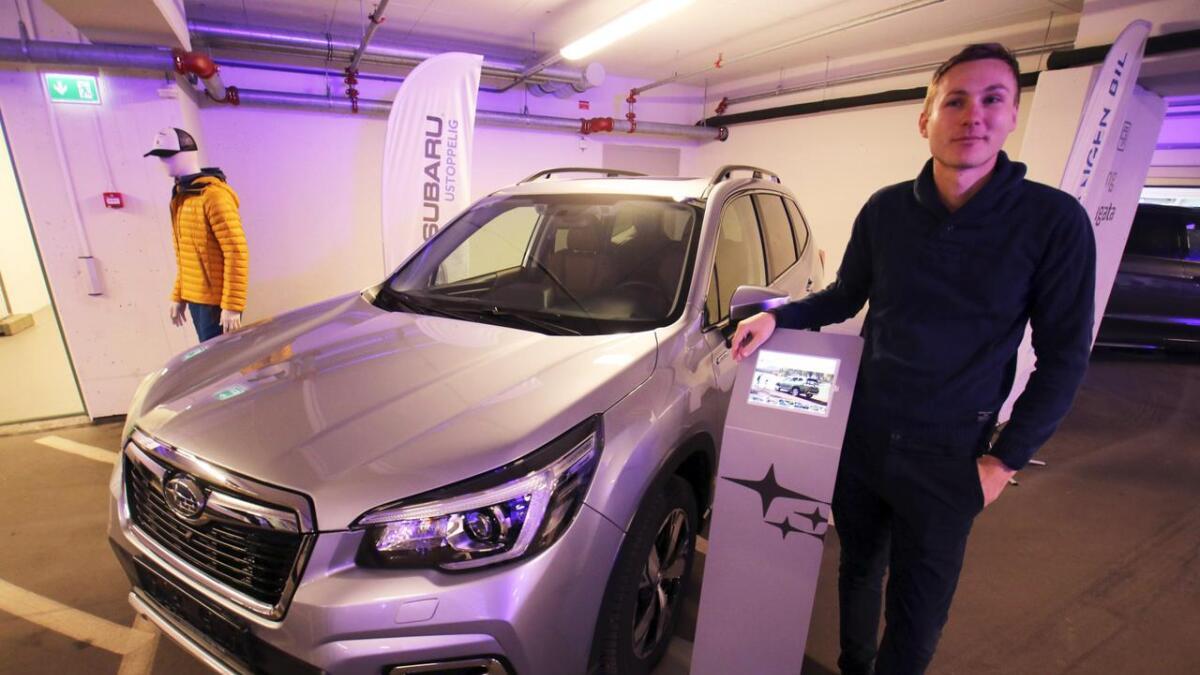 – Dette er ein heilt ny type av den kjende bilen frå Subaru, og me er veldig spente på korleis han vil slå an, fortalde Bård Magnus Fatland, ved Vossevangen Bil, om den nye Foresteren.