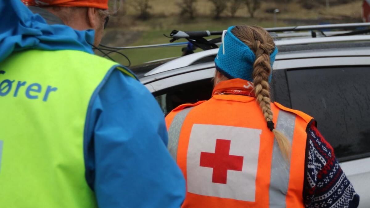 Røde Kors er med på å redda ned dei slitne turgåarane i fjellet på Voss fredag ettermiddag. Biletet er frå arkivet, og berre nytta som illustrasjon til saka.