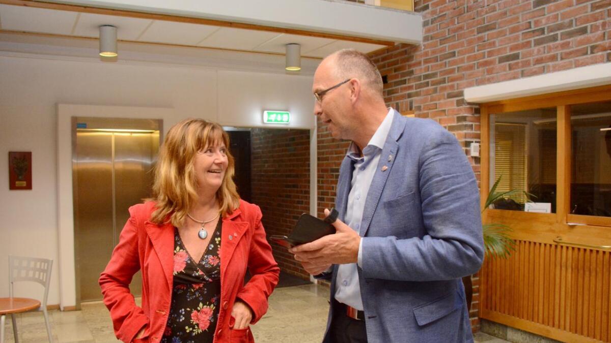 Marit Grefstad og Kjetil Glimsdal kjempet om å bli ordfører de neste fire årene. Ingen av dem endte opp med å bli det.