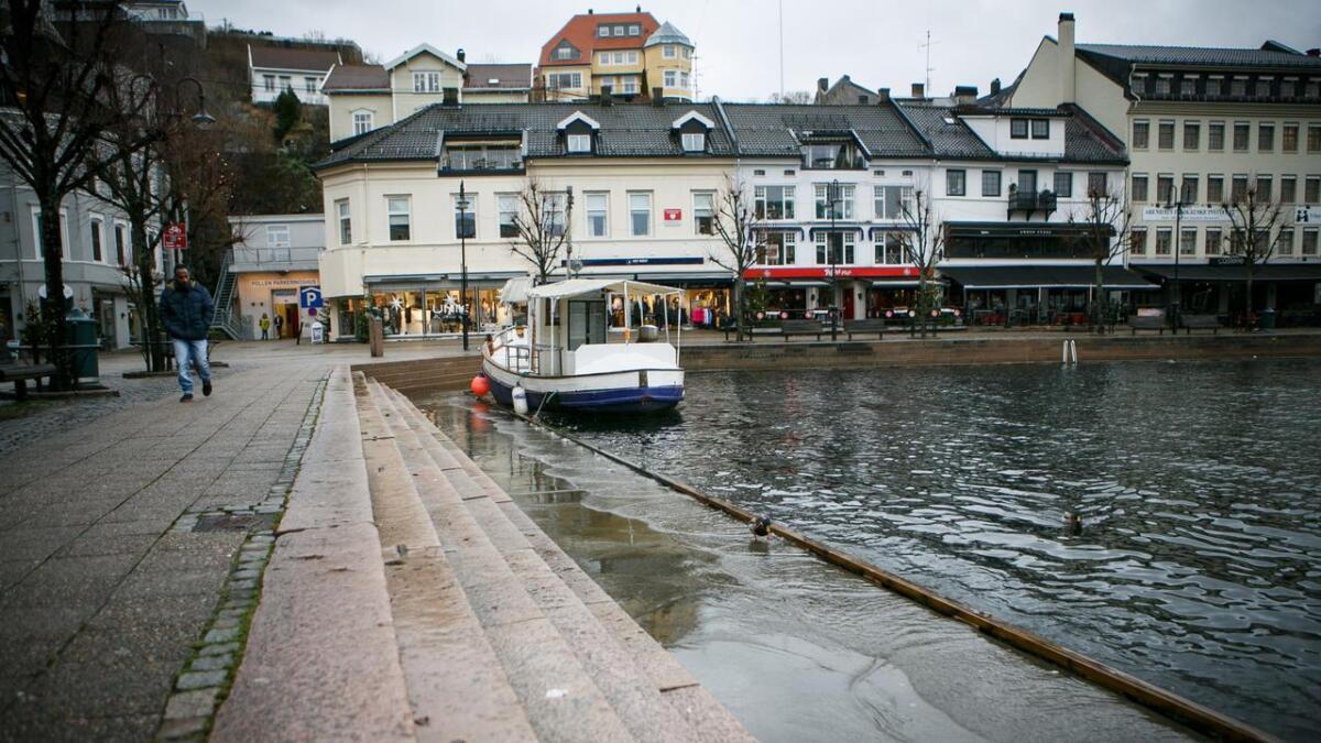 Arendal er godt forberedt på ekstremvær, ifølge pressemeldingen fra If. På bildet høy vannstand i Pollen fra en desemberdag i 2015.