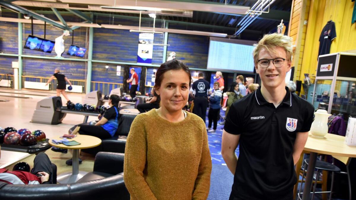 Marita Berglund og Halvar Hagen Nilsen i Bluestrike Bowlingklubb på helgas bowlingturnering.