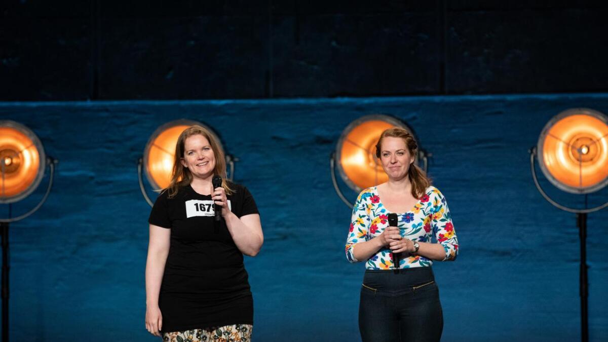 Songduoen Ingebjørg Longvik Reinholdt (t.v.) og Kirsti Bakken Kristiansen, som til saman utgjer «Fivil» er klare for ein runde til i Norske Talenter.