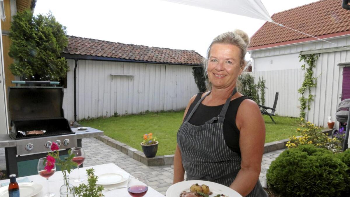 25., 26. og 27. juli inviterer Guri Danielsen til restaurant hjemme i sin egen hage i Øvregate i Skien.