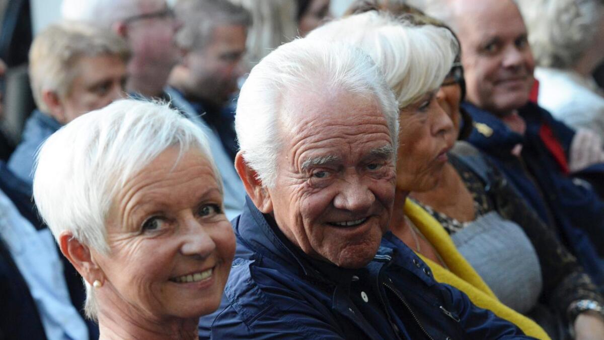 Flere av Dizzie Tunes-karene var på showet. Blant dem også Yngvar Numme, i følge med sin kone Ingerid.
