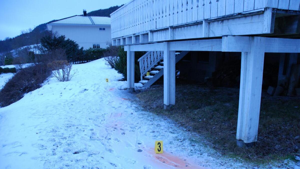 Et hus i Midt-Telemark der de brøt seg inn, etterforsket av politiet etterpå.