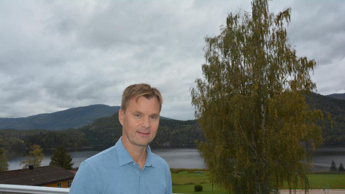 Edgar Gamst Kristoffersen er ny rektor på Kvitsund gymnas. – Eg har ein relasjonell leiarstil, seier han.