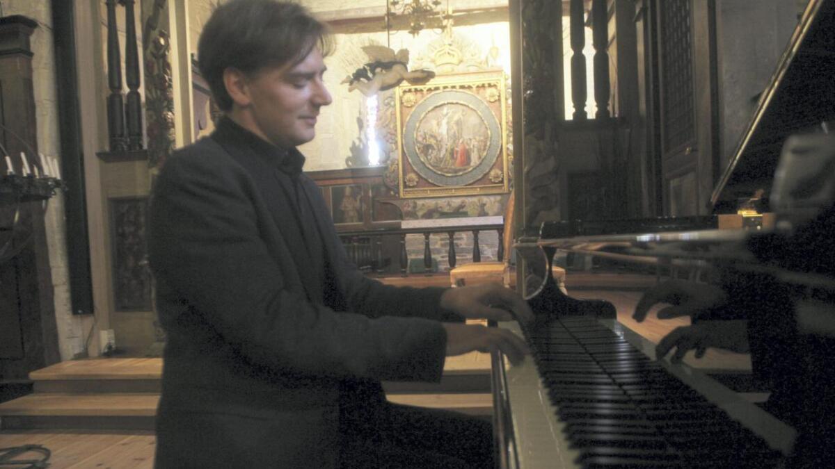 Grzegorz Niemczuk trakterte flygelet med bravur under sommarens siste konsert i Vangskyrkja.