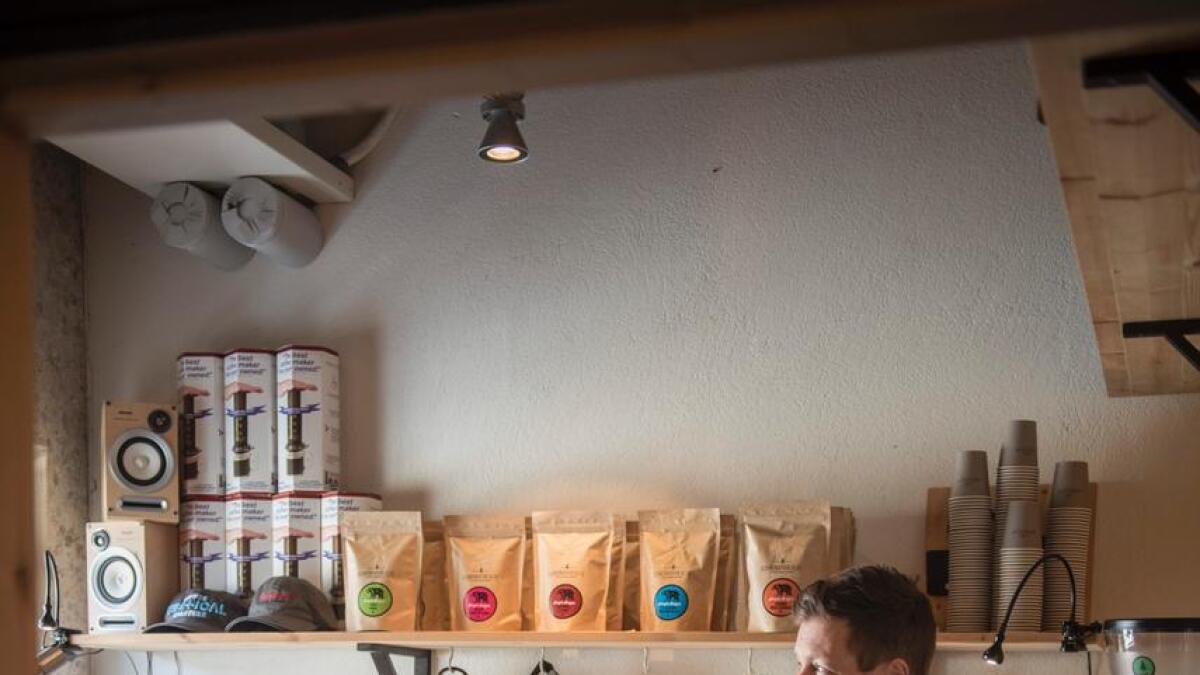 Adrian Seligman har som mål å gje gode kaffiopplevingar til fjellfolket i Hemsedal.