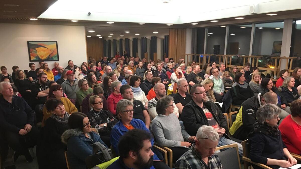 Folk fra hele regionen samlet seg til rus-møtet på Myre.
