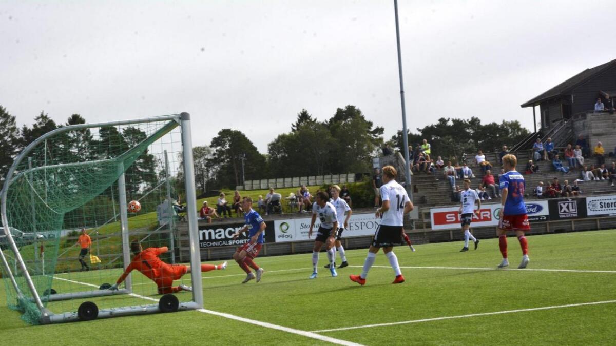Oscar Ingebrigtsen er uroa over at Stord sit att med dei nest beste. Her frå 3-4-tapet mot Lysekloster sist helg.