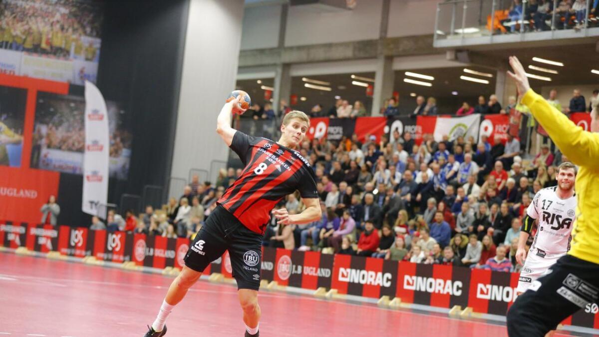 Hermann Vildalen ble kjøp fri fra kontrakten med Ribe-Esbjerg i Danmark før jul i fjor. Han stod over ØIF Arendals sesongpremiere mot Haslum grunnet knetrøbbel.
