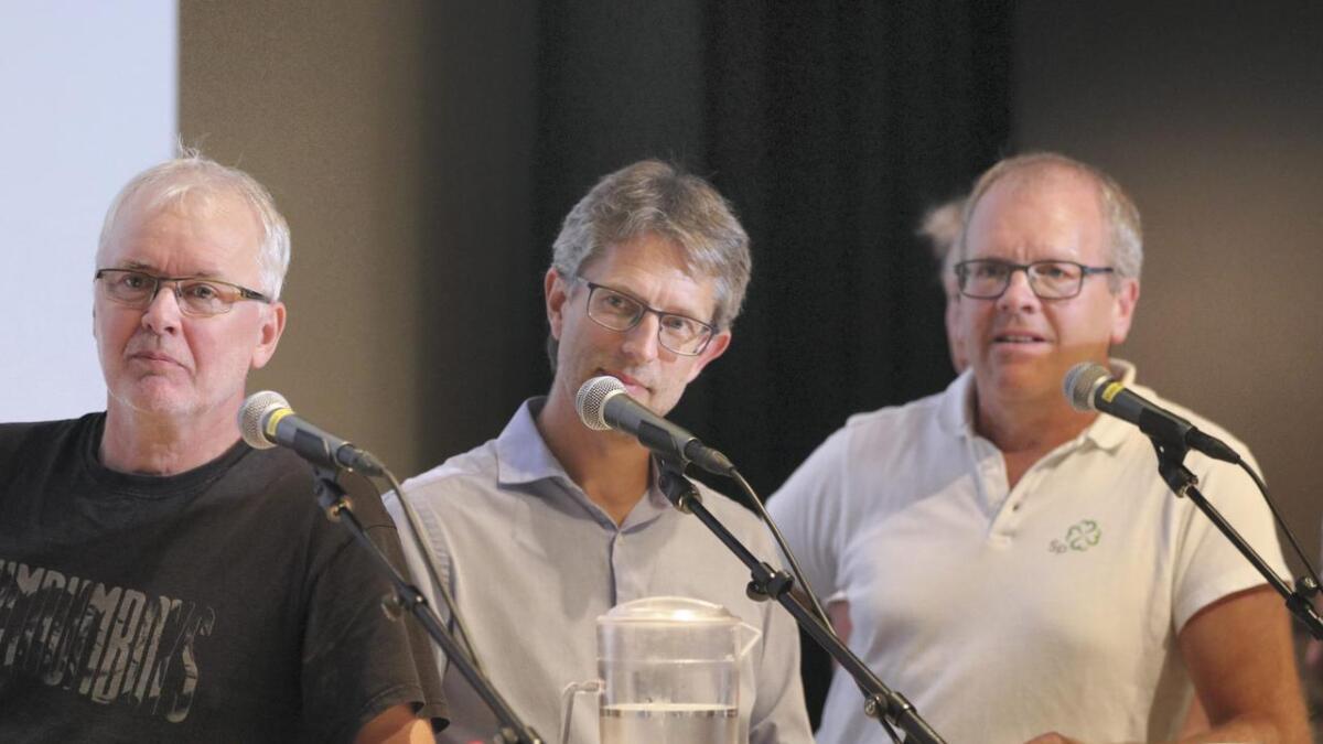 Fra venstre Arfinn Gjerdåker (SV), Hans-Erik Ringkjøb (Ap) og Sigbjørn Hauge (Sp).
