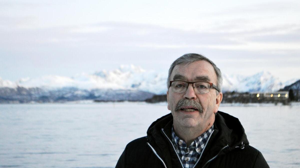 Hadsel-ordfører Kurt Jenssen talte for klassene på Melbu.