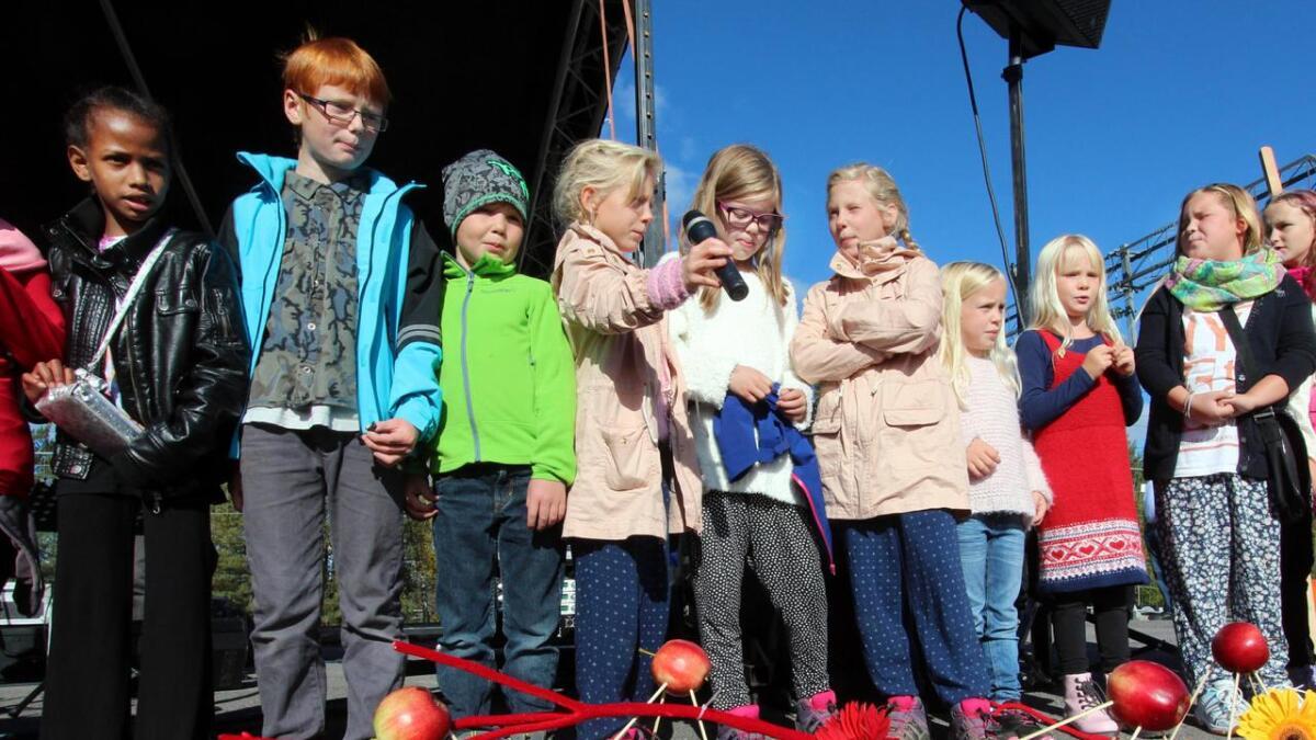Barna underholdt på plassen.