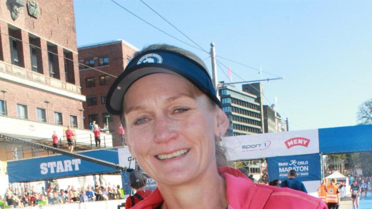 Marianne Berrum hadde all mulig grunn til å være fornøyd etter at hun hadde satt ny personlig bestenotering og fullført nok et helmaratonløp.