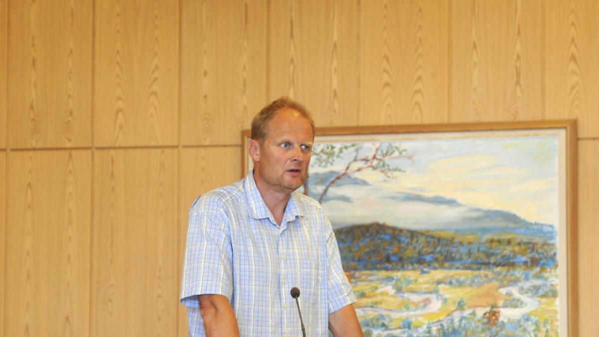 Tom Roterud sier det er viktig for Sp å opptre ryddig i forhandlingene.