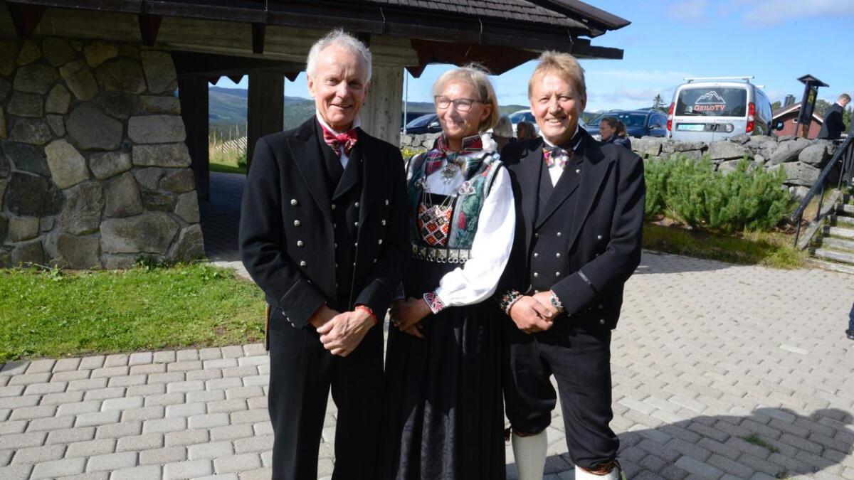 Aslak Paalgard (t.v.), Wenche Nedrestøl Lothe og Knut Vebjørnsen var tilbake 50 år etter at dei vart konfirmerte.