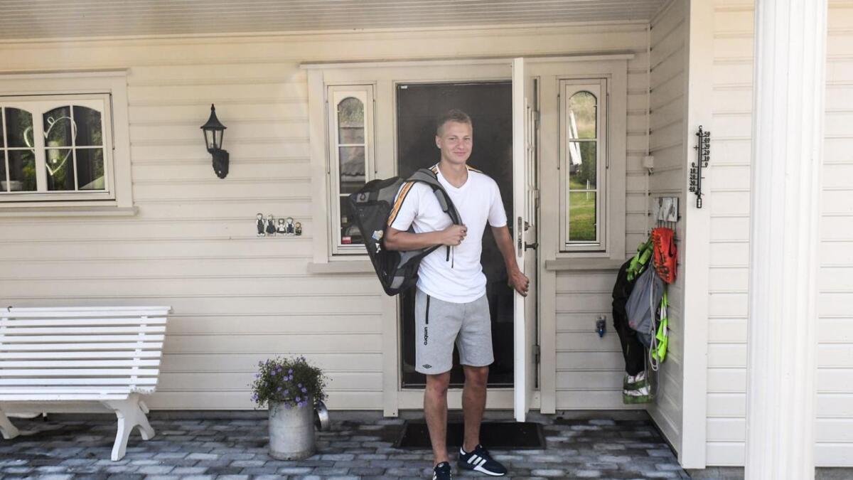 Tre mål på tre kamper er fasiten til Jerv-spissen Ole Marius Håbestad før kampen mot Aalesund søndag. Her er han utenfor familiehjemmet på Nilsesvold i Lia.