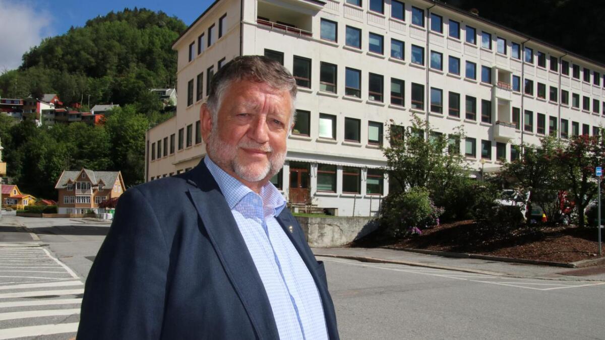 Rådmann Atle Fasteland vert førebels ikkje kommunedirektør i Vaksdal.