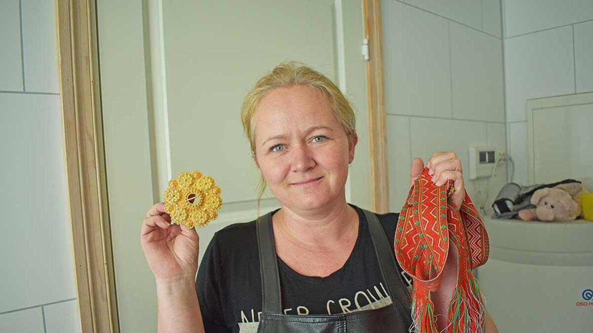 Linda Dale startar opp Dale bunadssylv på Rysstad.