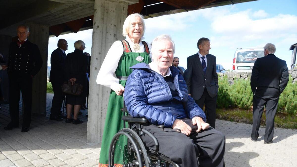 Kjell og Bia Christoffersen gifta seg 5. juli 1969 som dei aller første i kyrkja i Skurdalen.