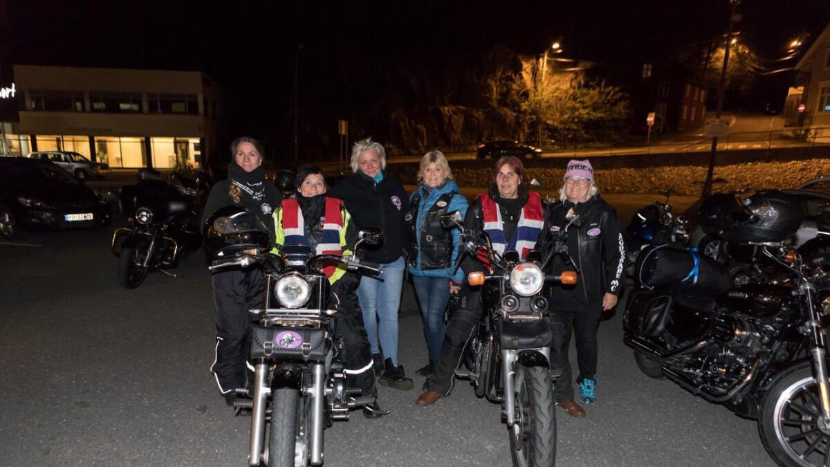 Rita Skogen, Weronica Jacobsen, Astrid Solheim, Astri Haaheim, Anne Mette Larsen og Inger K Lunden.
